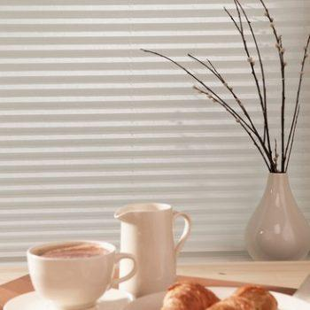 vanilla coloured pleated blinds