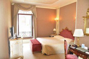 luxury hotel curtains